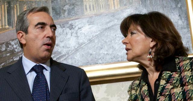"""Decadenza Berlusconi, Forza Italia e alfaniani ritrovano l'unità: """"Rinviare voto"""""""
