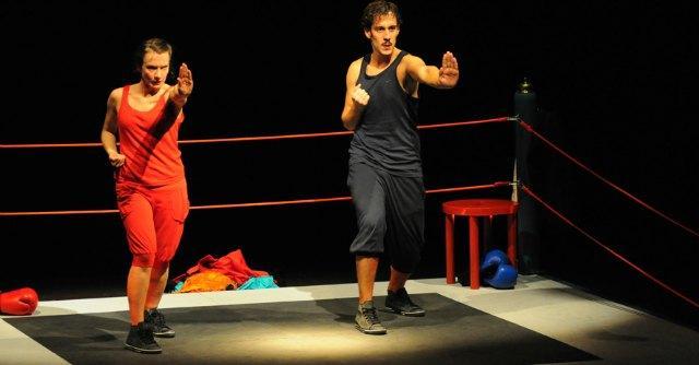 Teatro, contro gli stereotipi di genere a Bologna va in scena 'Io femmina, e tu?'