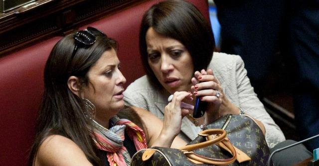Forza Italia, i sottosegretari danno le dimissioni: dal governo o dal partito?