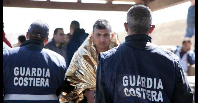 """Naufragio Lampedusa, """"le donne stuprate dai trafficanti"""". Arrestato cittadino somalo"""