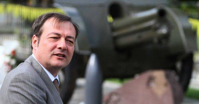 Adro, il prefetto reintegra il sindaco Oscar Lancini dopo la scarcerazione