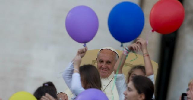 """Papa Francesco contro la corruzione, condanna la """"dea tangente"""""""