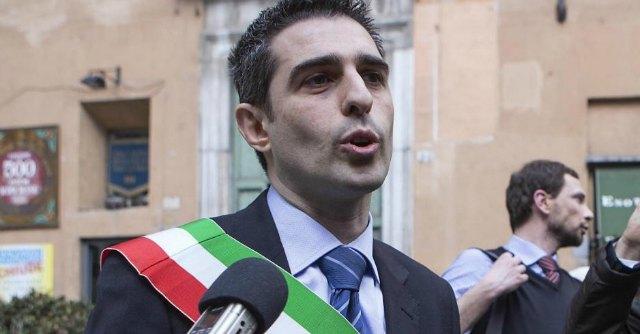 """M5s, Pizzarotti: """"Non ho capito il motivo delle espulsioni dei senatori dissidenti"""""""