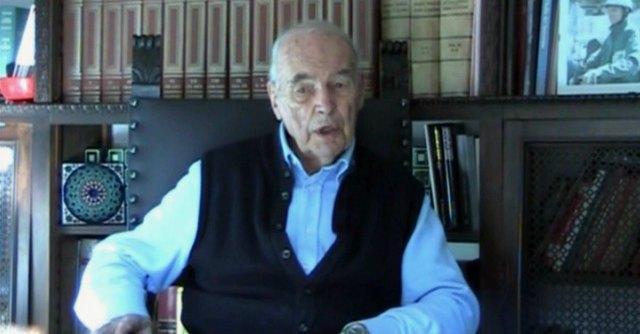 Priebke, il segreto di Stato sul luogo della sepoltura. Gli indizi portano in Sardegna