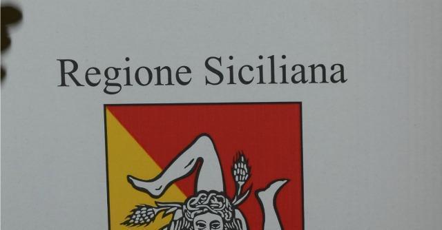 Sicilia quest 39 anno euro al mese in pi per gli 11 for Posti degli onorevoli