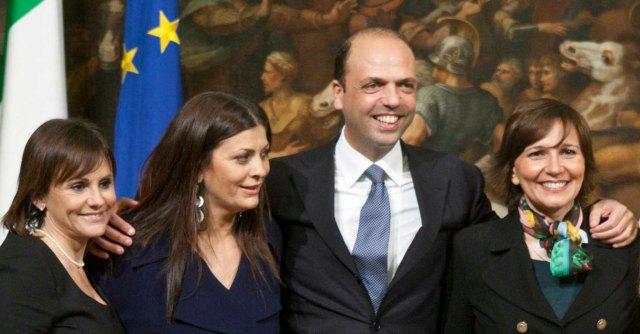 """Forza Italia, il sottosegretario Cirillo non si dimette. """"Resto al servizio del Paese"""""""