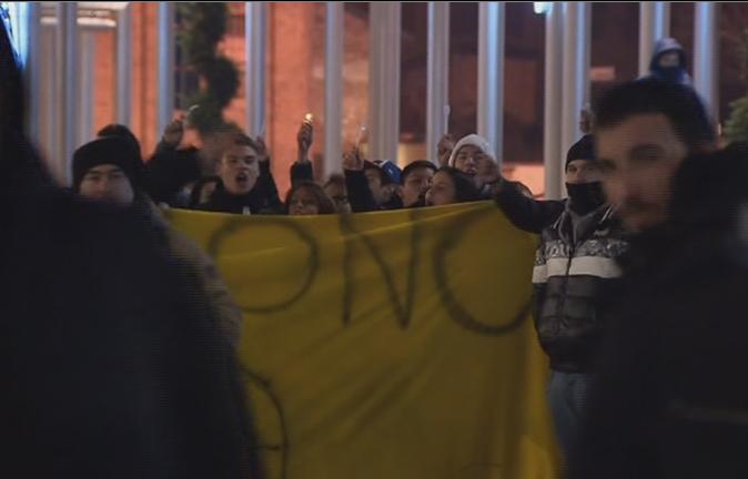 Servizio Pubblico, la protesta divisa di Nichelino