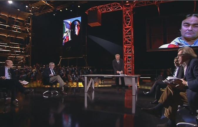 """Servizio Pubblico, Delrio vs Sgarbi: """"L'evasione fiscale è la vera malattia del Paese"""""""