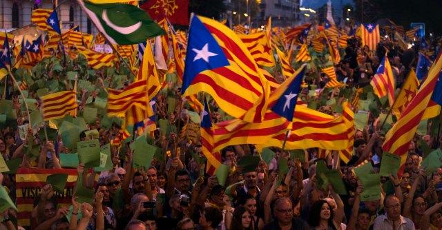 Indipendenza Catalogna, governo spagnolo diffonde manuale contro il separatismo