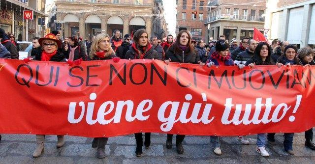 Bologna, sciopero metalmeccanici Fiom: in piazza contro la legge di stabilità