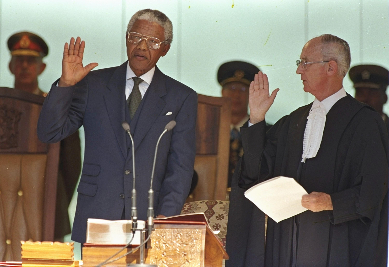 Nelson Mandela morto, l'ex presidente sudafricano aveva 95 ...