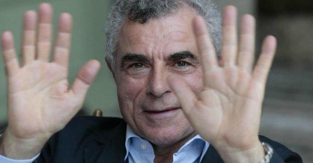 """Treni, Moretti: """"Disagi colpa delle Regioni"""". Rossi: """"Pensi a farli arrivare in orario"""""""