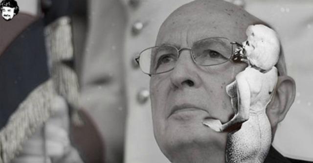 """Grillo fa gli auguri a Napolitano: """"A gennaio impeachment, mister President"""""""