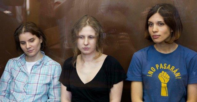 """Russia, liberate due Pussy Riot. Maria Alyokhina: """"Trovata pubblicitaria di Putin"""""""