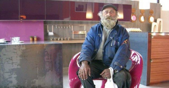 Addio a Pezza, il clochard di Piacenza che scelse la vita in strada
