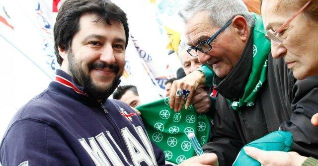 """Scandalo Lega Nord, Belsito: """"Soldi in nero a Salvini"""". Il segretario: """"Solo fango"""""""