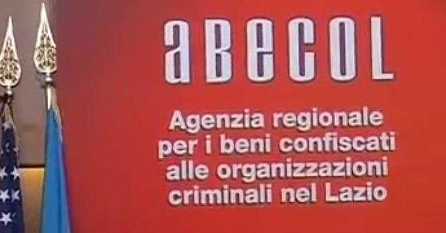 """Lazio, """"agenzia beni confiscati inattiva"""". Ma con direttore e 10 dipendenti"""