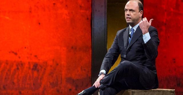 """Legge elettorale, Grillo: """"Mattarellum e voto"""". Alfano: """"Mantenere bipolarismo"""""""