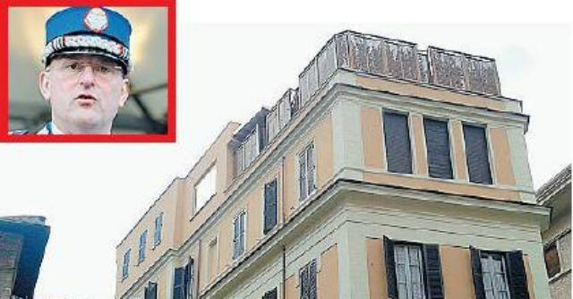 La casta del superlusso in vaticano il papa taglia for Palazzi super mega