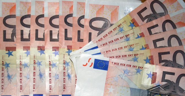 Crisi, Italia sempre in recessione dal 2011. Nei primi sei mesi deficit/pil al 3,8%