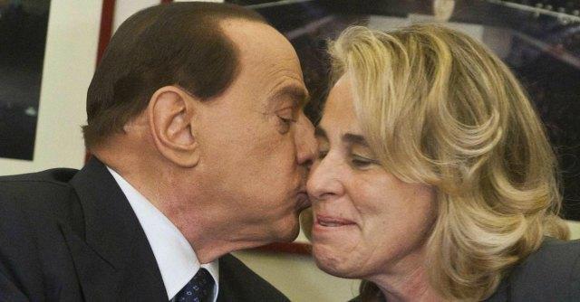 """Berlusconi: """"Craxi fu buono, giusto e generoso. Non arricchì la sua famiglia"""""""