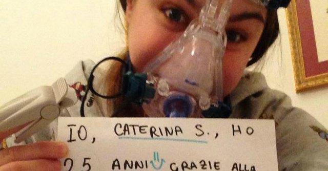 Difende test su animali. Giovane malata riceve auguri di morte su Facebook