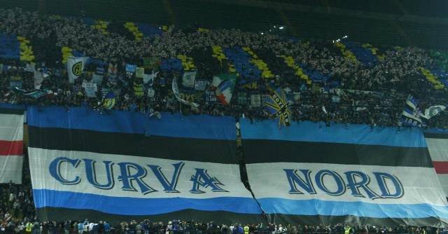 """Calcio, """"riaprire curve Milano e Roma"""". Sospese le sanzioni per i cori razzisti"""