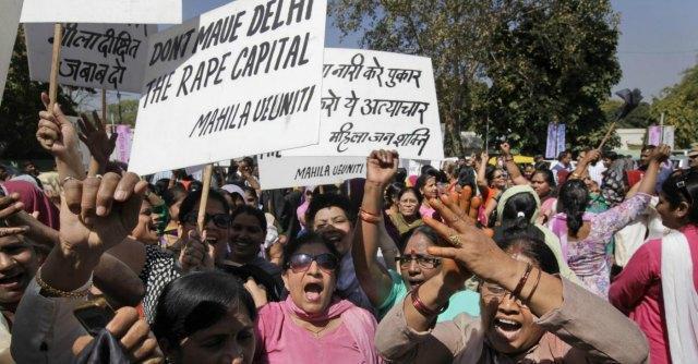 """India, uccisi ed esposti in pubblico: """"incestuosi"""". """"Colpa occidentalizzazione"""""""