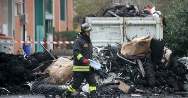 """Incendio Prato, indagati quattro cinesi. Giovannini: """"Più risorse per i controlli"""""""