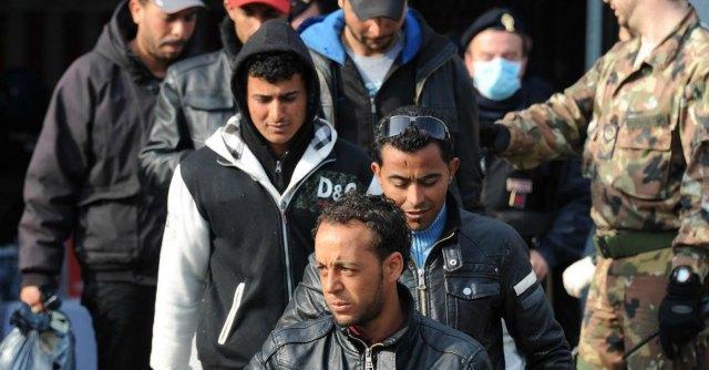 """Immigrazione, Ue ad Alfano: """"Dobbiamo fare di più, ma Frontex non ha mezzi"""""""