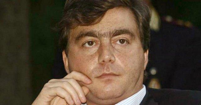 """Caso escort Roma, gip archivia: """"Non ci fu estorsione a Silvio Berlusconi"""""""