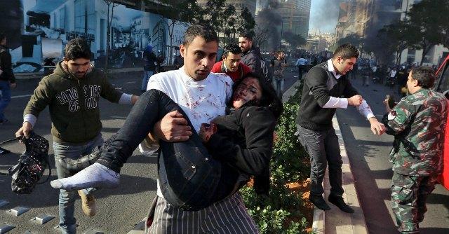 """Beirut, autobomba vicino al Parlamento. """"Otto morti, ucciso ex ministro"""""""