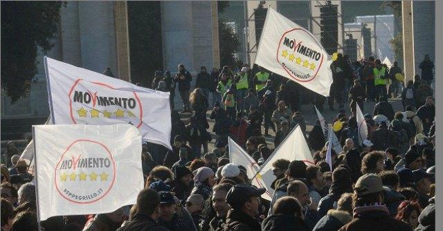 """V Day Genova, i parlamentari: """"Utopia e cambiamento, B. cacciato grazie a noi"""""""