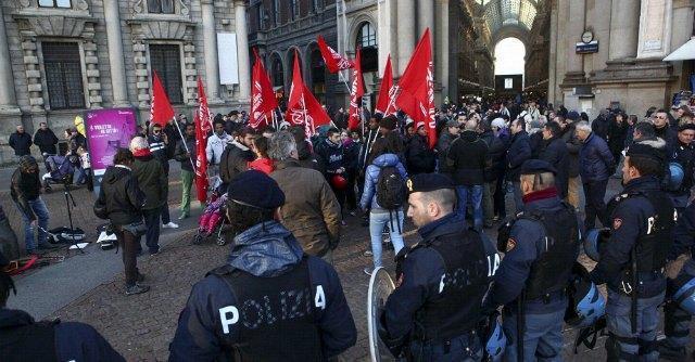 Manifestazione Scala di Milano
