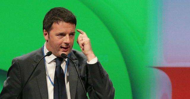 """Web tax, Renzi: """"Dalla nuvola digitale a quella di Fantozzi"""". Ma il Pd è diviso"""
