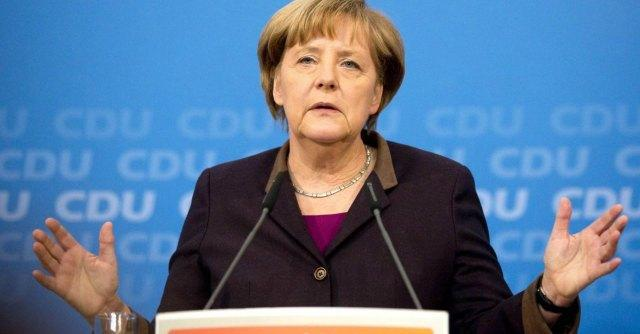 Germania, nasce il terzo governo Merkel. Per la prima volta una donna alla Difesa