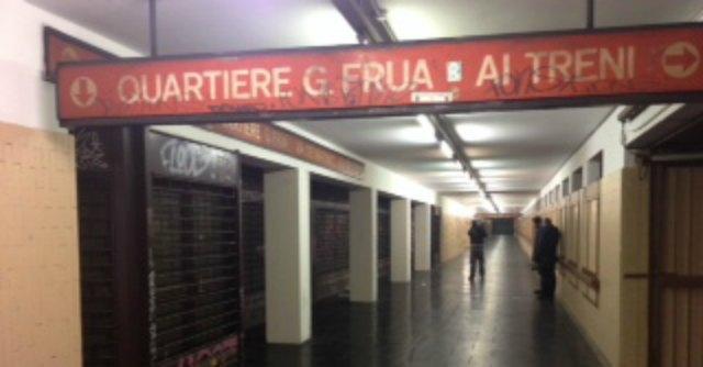 Milano, 65enne muore in metrò per un malore. Ipotesi aggressione
