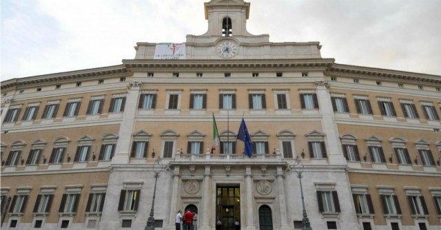 Montecitorio, 400 agenti per 630 onorevoli: 15 milioni per la sicurezza