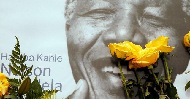 Commemorazione Mandela, leader mondiali a Johannesburg. Stadio pieno