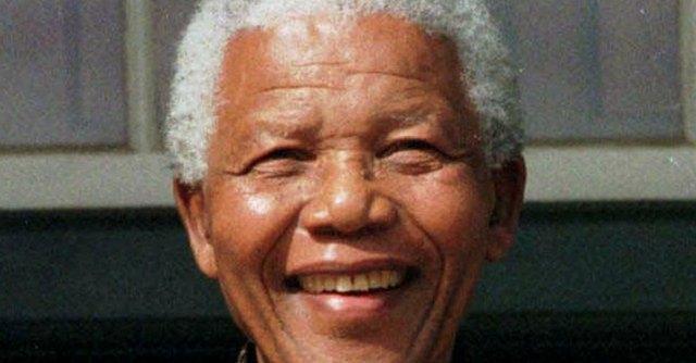 Nelson Mandela morto: Sudafrica in lutto, il mondo celebra il mito di Madiba