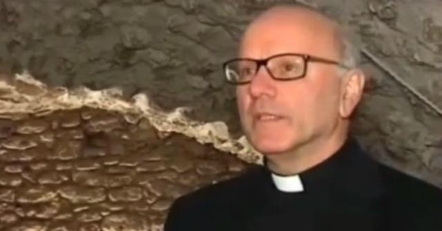 """Cei, Galantino segretario. Il Papa alla sua diocesi: """"Scusate, ma ho bisogno di lui"""""""