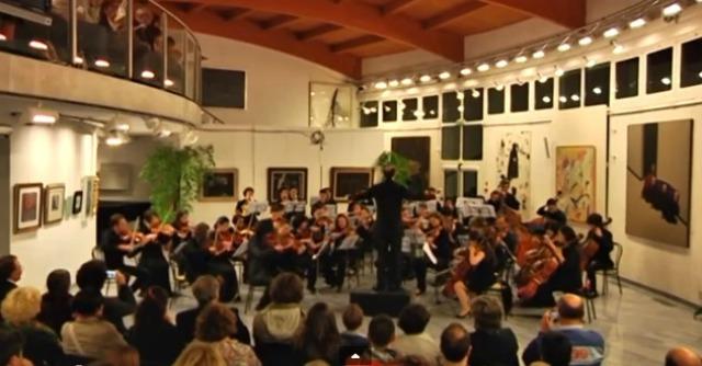 """Bologna, orchestra con 72 under 30: """"E ora musica classica in fabbriche e carceri"""""""