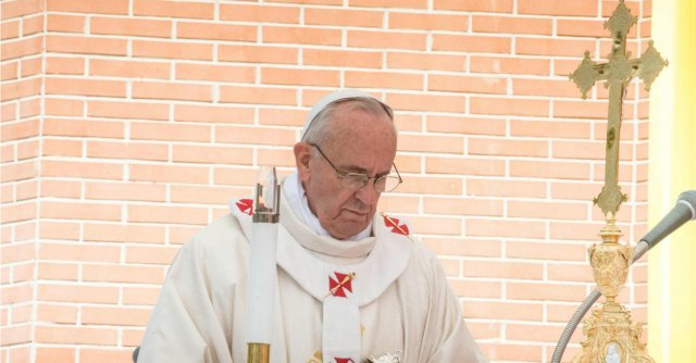 "Papa Francesco, Te Deum: ""Roma accolga rifugiati, disoccupati e sottopagati"""