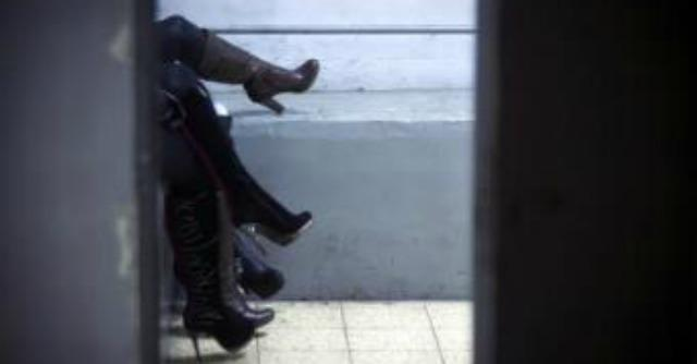 """Prostituzione, centrodestra lombardo vuole abolire la legge Merlin. Maroni: """"E' giusto"""""""