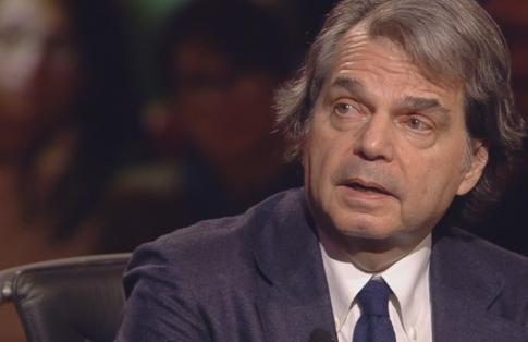 """Servizio Pubblico, Brunetta: """"Nel '68 si sparava"""". Santoro: """"No, dopo"""""""