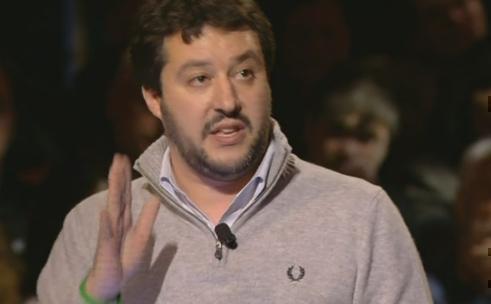 """Servizio Pubblico, Salvini: """"La Kyenge fisicamente non mi piace, ma non sono razzista"""""""