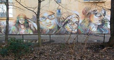 """Bologna, AliCè condannata: """"Imbrattò muro"""". Multa di 800 euro per la street artist consacrata dal New York Times"""