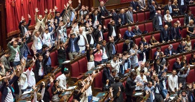 M5s discute espulsione curr il deputato nel caso for Streaming parlamento