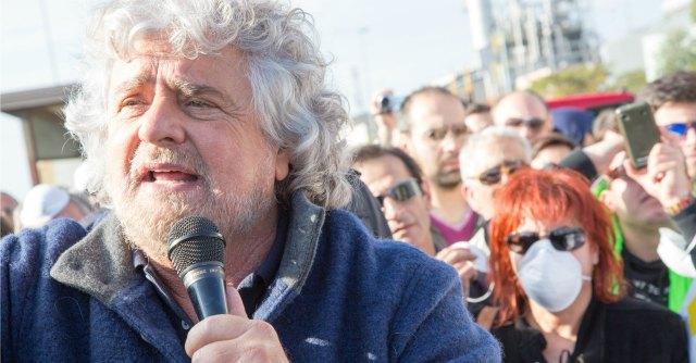 """M5S, Beppe Grillo da aprile in teatro con lo spettacolo """"Te la do io l'Europa"""""""
