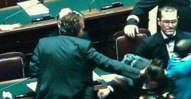 """Imu-Bankitalia, Lupo (M5S): """"Schiaffo da Dambruoso"""". Lui: """"Difendevo Boldrini"""""""